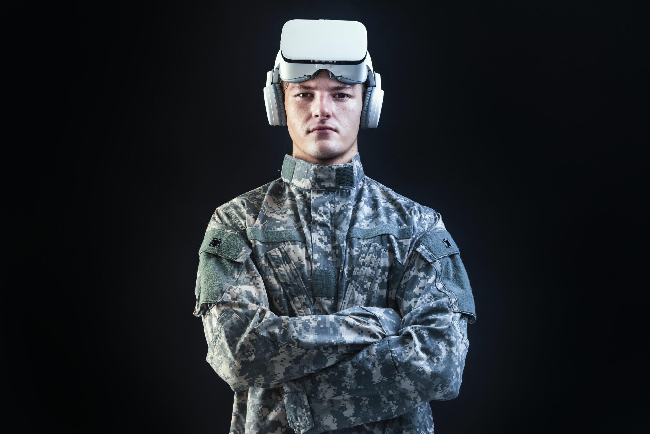 soldado con gafas realidad virtual
